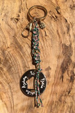 macrame keyring with wishes