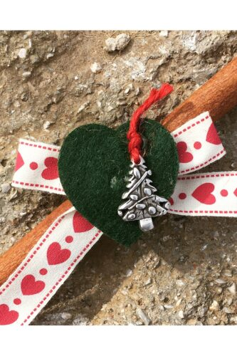 charm with cinnamon & Christmas tree