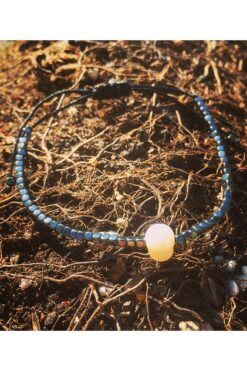 bracelet with white pearl bead