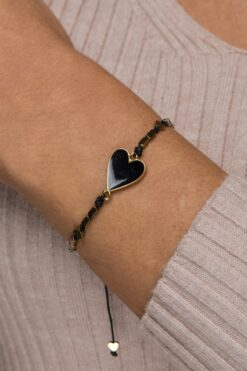 bracelet with hearts